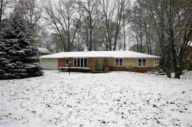 2577 Cherrywood Lane, Green Bay, WI 54304 (#50194574) :: Todd Wiese Homeselling System, Inc.