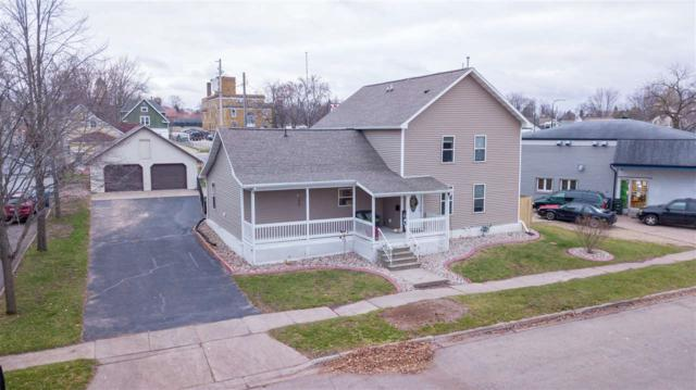 108 E Cook Street, New London, WI 54961 (#50194577) :: Todd Wiese Homeselling System, Inc.
