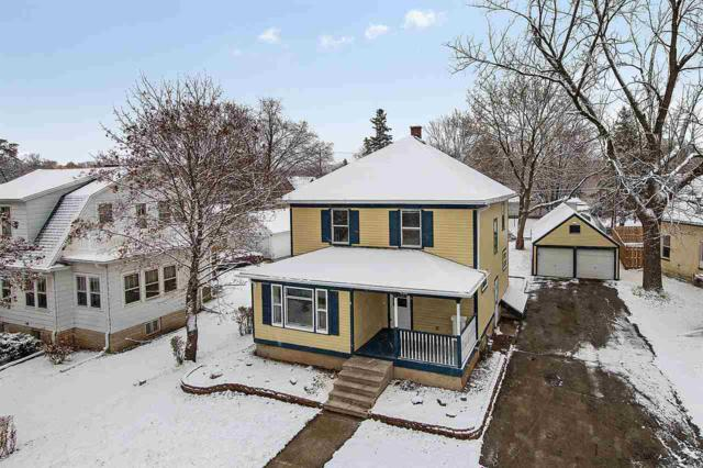 430 N Michigan Street, De Pere, WI 54115 (#50194633) :: Todd Wiese Homeselling System, Inc.