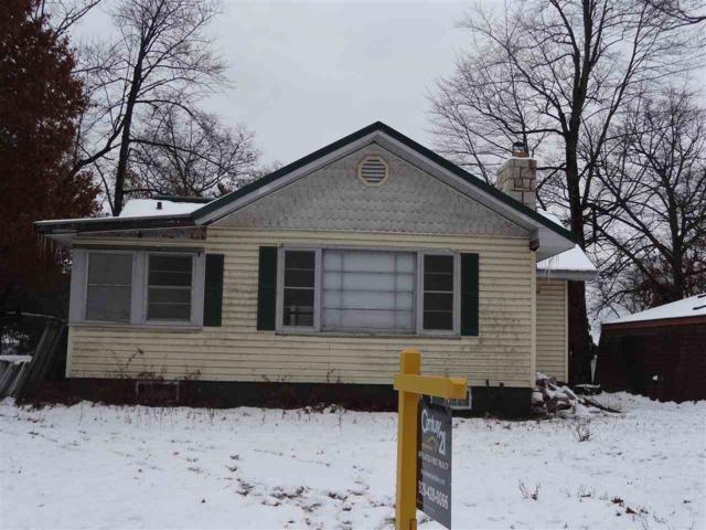 W6042 North Bay Circle, Shawano, WI 54166 (#50194704) :: Todd Wiese Homeselling System, Inc.