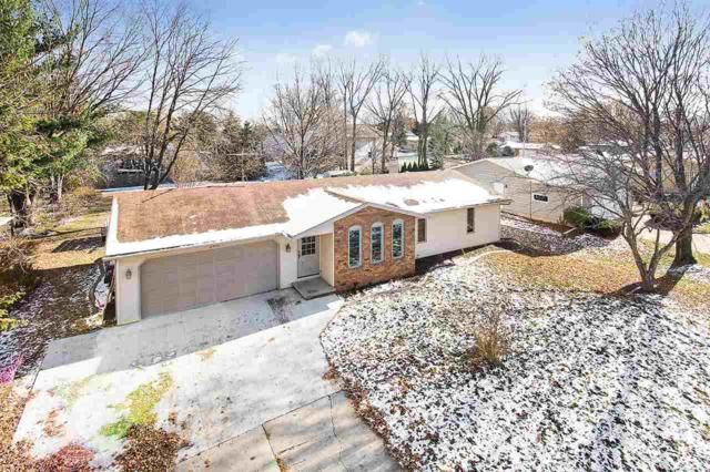 2461 St Johns Drive, Green Bay, WI 54313 (#50194735) :: Todd Wiese Homeselling System, Inc.