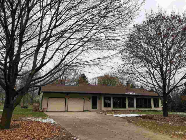 980 Oakview Drive, Oneida, WI 54155 (#50194882) :: Symes Realty, LLC