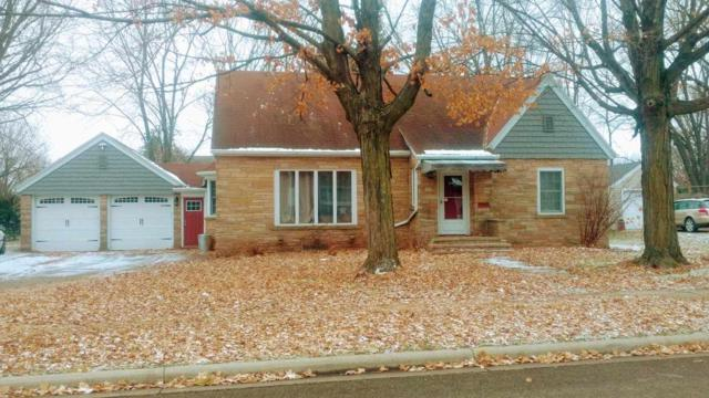 157 N Clinton Avenue, Clintonville, WI 54929 (#50194980) :: Todd Wiese Homeselling System, Inc.