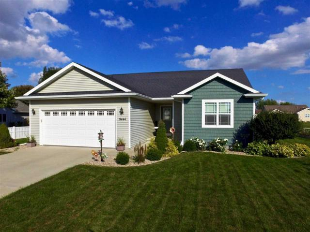 N9444 Hunter Street, Appleton, WI 54915 (#50195242) :: Dallaire Realty