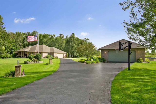 700 Woodstock Lane, Pulaski, WI 54162 (#50195276) :: Todd Wiese Homeselling System, Inc.