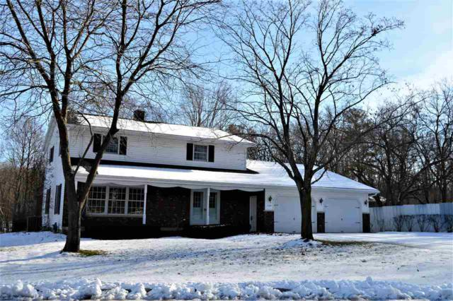 1224 Forestedge Drive, Kaukauna, WI 54130 (#50195356) :: Todd Wiese Homeselling System, Inc.