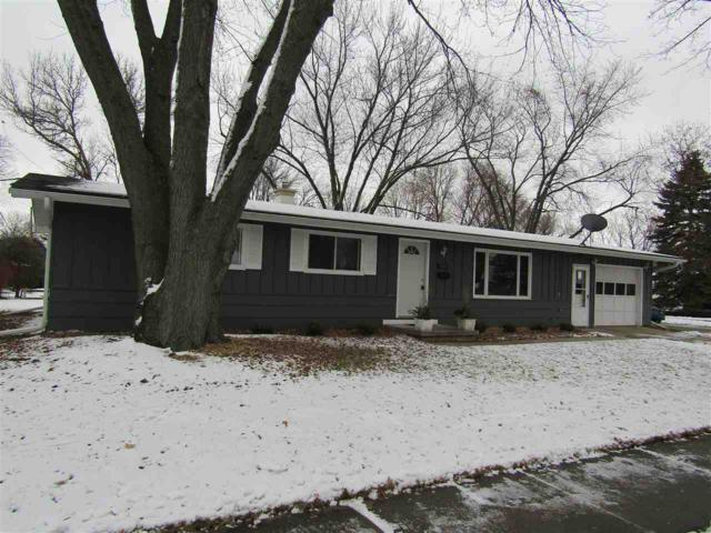 853 Knoll Terrace, De Pere, WI 54115 (#50195368) :: Todd Wiese Homeselling System, Inc.