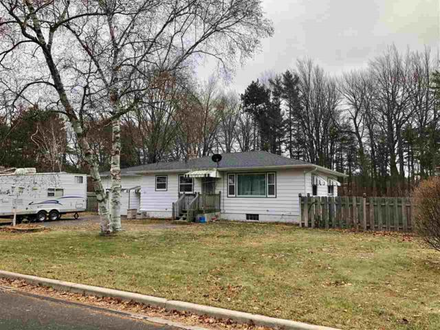 1017 Edgewood Circle, Marinette, WI 54143 (#50195403) :: Dallaire Realty