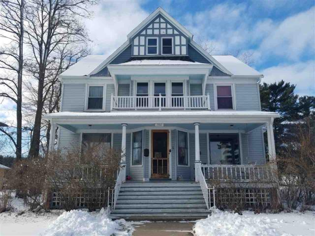 702 S Main Street, Waupaca, WI 54981 (#50195498) :: Dallaire Realty