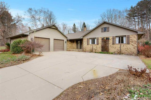 915 Lacount Road, Green Bay, WI 54304 (#50195521) :: Todd Wiese Homeselling System, Inc.