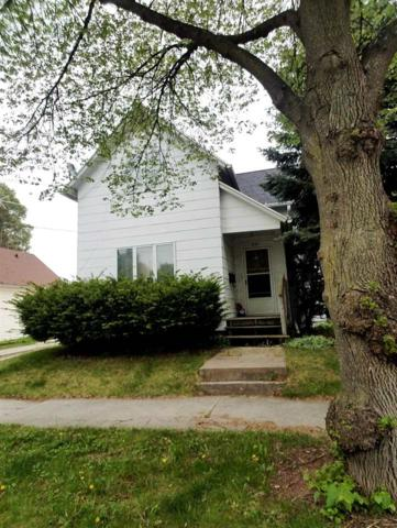 325 S Irwin Street, Green Bay, WI 54301 (#50195553) :: Todd Wiese Homeselling System, Inc.