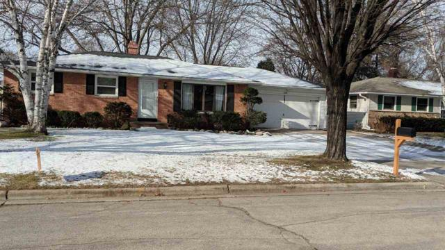 1028 Beaver Dam Drive, Green Bay, WI 54304 (#50195578) :: Todd Wiese Homeselling System, Inc.