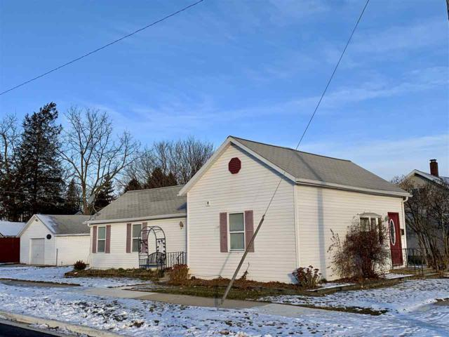 132 S Ontario Street, De Pere, WI 54115 (#50195589) :: Todd Wiese Homeselling System, Inc.
