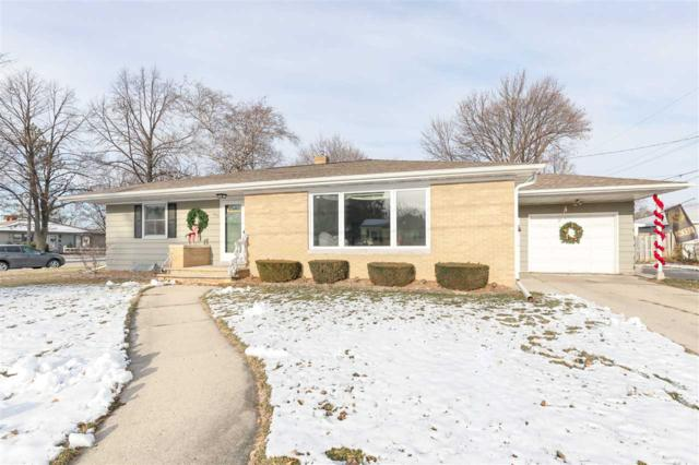 1040 Liberty Street, Green Bay, WI 54304 (#50195606) :: Todd Wiese Homeselling System, Inc.