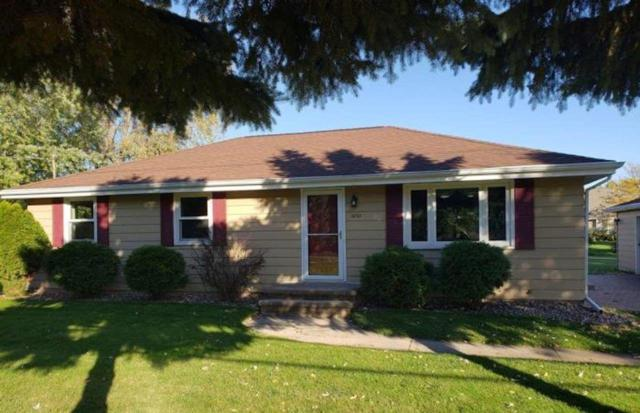 1830 N Olde Casaloma Drive, Appleton, WI 54913 (#50195621) :: Dallaire Realty