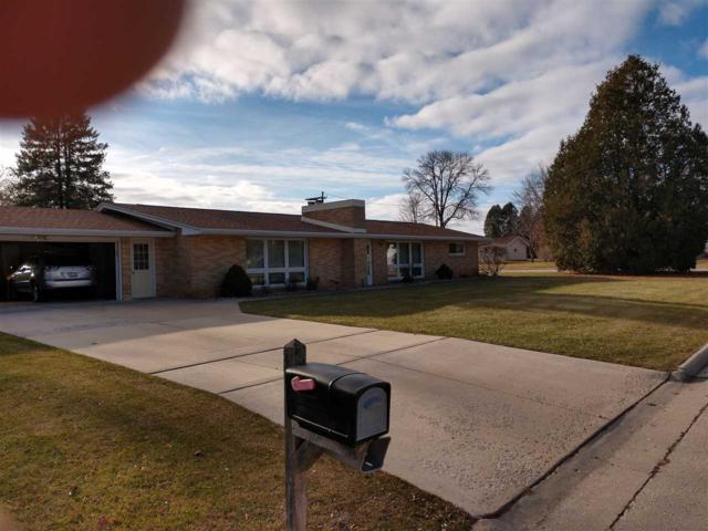 1671 View Lane, Green Bay, WI 54313 (#50195682) :: Todd Wiese Homeselling System, Inc.