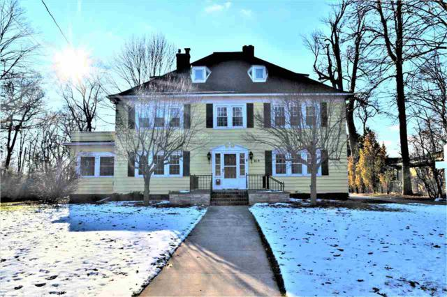819 E Forest Avenue, Neenah, WI 54956 (#50196072) :: Todd Wiese Homeselling System, Inc.