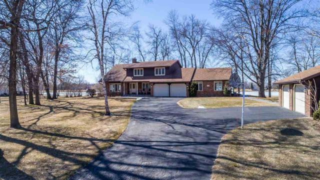 2726 Summerset Circle, Suamico, WI 54173 (#50196165) :: Todd Wiese Homeselling System, Inc.