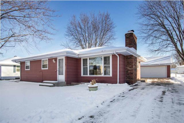 1552 Collins Street, Neenah, WI 54956 (#50196293) :: Todd Wiese Homeselling System, Inc.