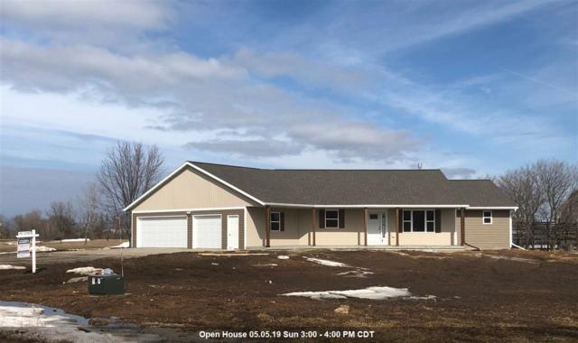 520 Prairie Gardens Lane, Pulaski, WI 54162 (#50196425) :: Todd Wiese Homeselling System, Inc.
