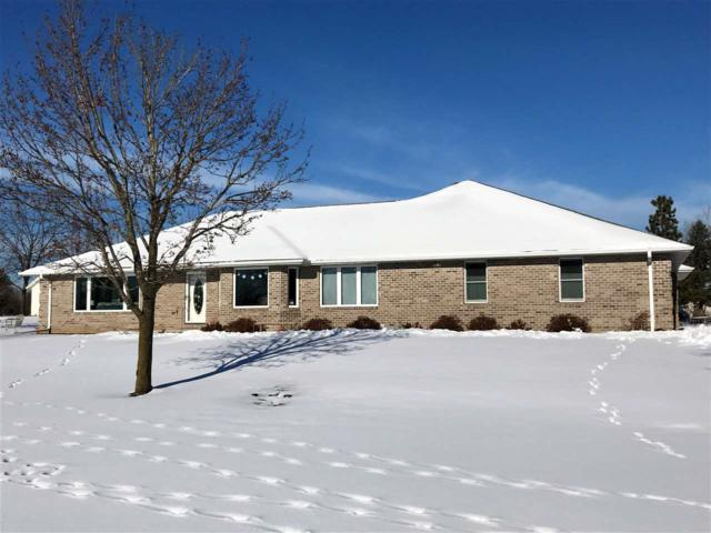 3640 Lost Lane, De Pere, WI 54115 (#50196470) :: Todd Wiese Homeselling System, Inc.