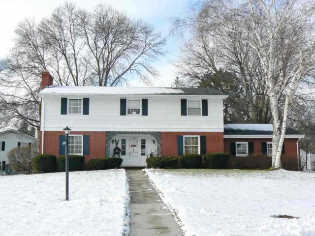 3254 Bitters Court, Green Bay, WI 54301 (#50196589) :: Todd Wiese Homeselling System, Inc.