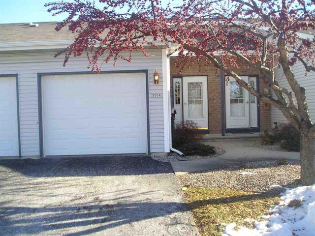 3204 Isaac Lane, Oshkosh, WI 54902 (#50196738) :: Todd Wiese Homeselling System, Inc.