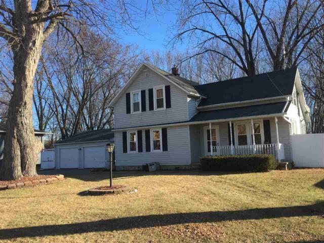 1214 Cardinal Lane, Green Bay, WI 54313 (#50196835) :: Todd Wiese Homeselling System, Inc.