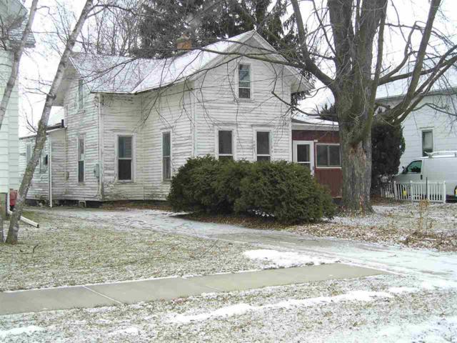 250 W 15TH Avenue, Oshkosh, WI 54902 (#50196839) :: Todd Wiese Homeselling System, Inc.