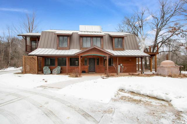N2556 Pleasant View Lane, Waupaca, WI 54981 (#50196845) :: Symes Realty, LLC