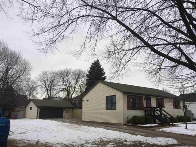 635 S Jefferson Street, Green Bay, WI 54301 (#50196871) :: Todd Wiese Homeselling System, Inc.