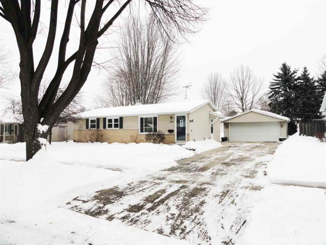 1797 St Agnes Drive, Green Bay, WI 54304 (#50197446) :: Todd Wiese Homeselling System, Inc.