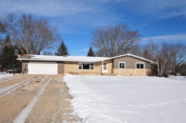 5330 W Spencer Street, Appleton, WI 54914 (#50197491) :: Dallaire Realty