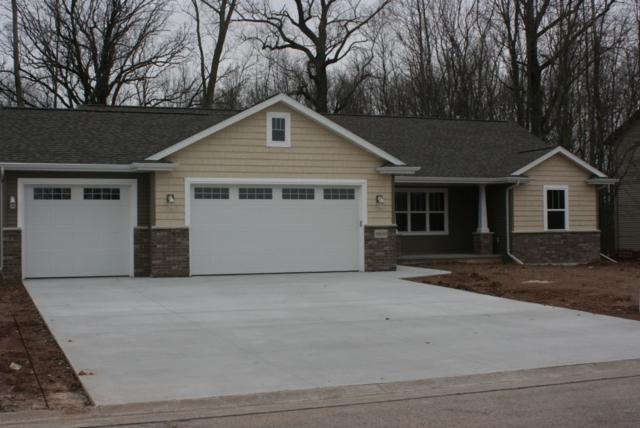 1176 Lori Drive, Neenah, WI 54956 (#50197565) :: Todd Wiese Homeselling System, Inc.