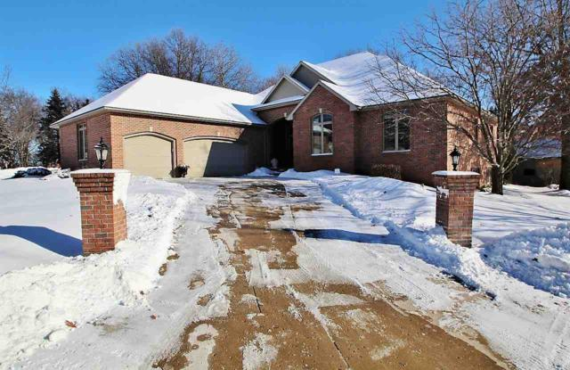 1905 E Gothic Circle, Green Bay, WI 54313 (#50197682) :: Todd Wiese Homeselling System, Inc.