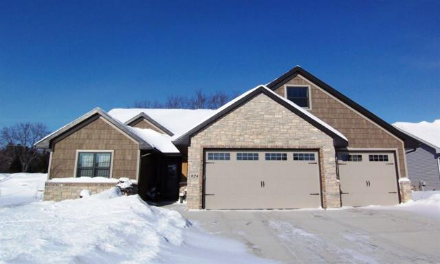 924 Cortez Court, Hobart, WI 54155 (#50197723) :: Todd Wiese Homeselling System, Inc.