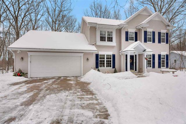2370 Woodington Way, Suamico, WI 54173 (#50197776) :: Dallaire Realty
