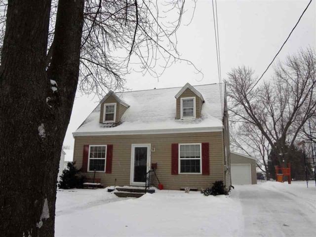 913 Marquette Street, Menasha, WI 54952 (#50197791) :: Dallaire Realty