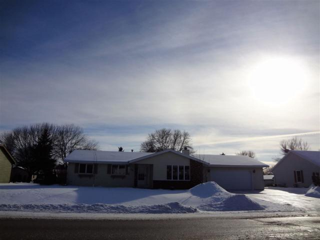 3003 W Capitol Drive, Appleton, WI 54914 (#50197838) :: Todd Wiese Homeselling System, Inc.