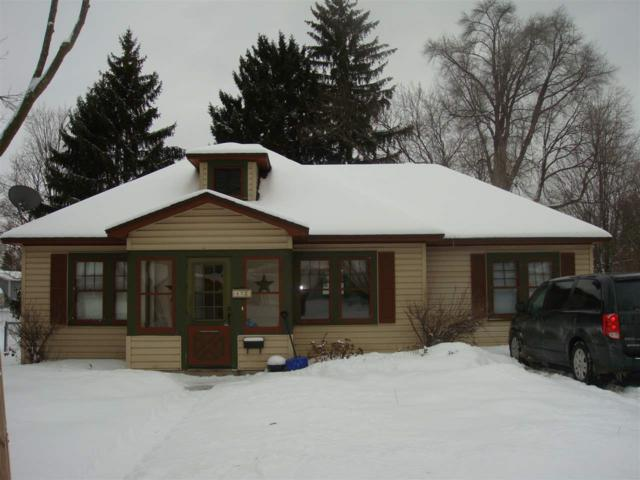 421 North Street, Waupaca, WI 54981 (#50197843) :: Symes Realty, LLC