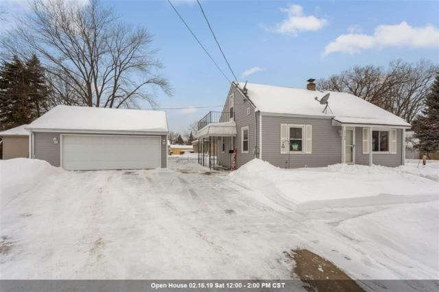 2103 S Jefferson Street, Appleton, WI 54915 (#50197872) :: Todd Wiese Homeselling System, Inc.