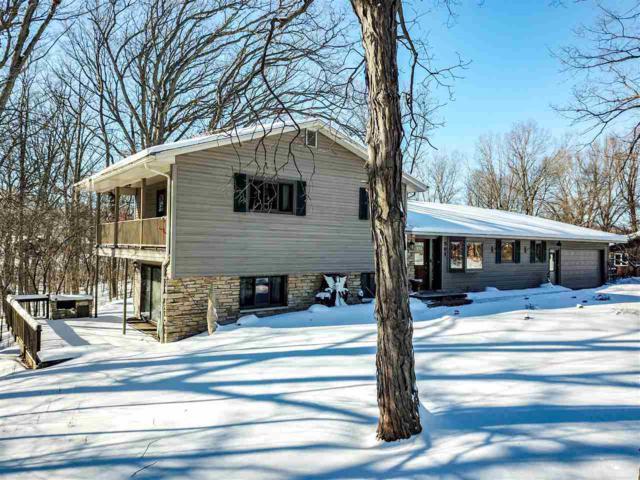 505 Meadow Lane, Kaukauna, WI 54130 (#50197910) :: Todd Wiese Homeselling System, Inc.