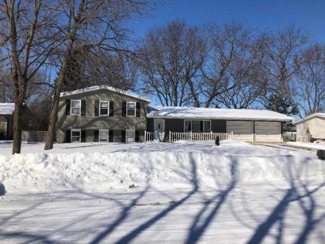 2064 W Vista Circle, De Pere, WI 54115 (#50197959) :: Dallaire Realty