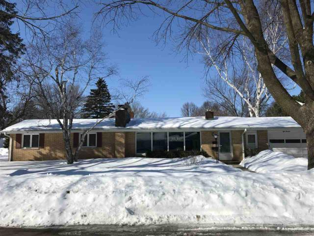 819 Lark Street, Green Bay, WI 54303 (#50198034) :: Dallaire Realty