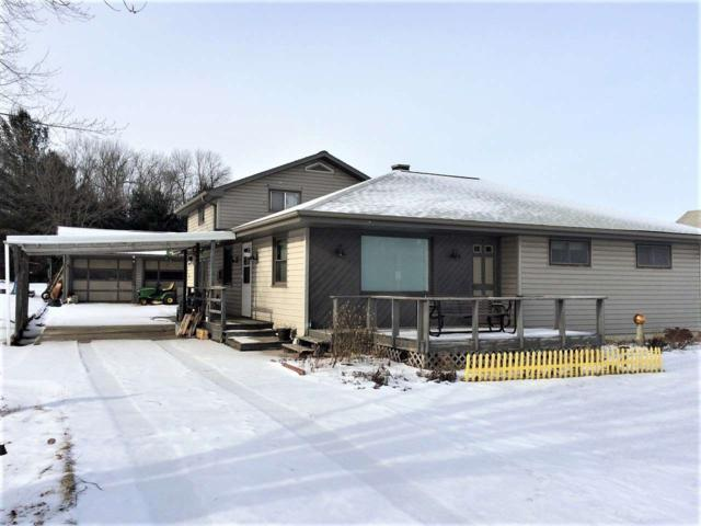 9143 Hwy 141, Lena, WI 54139 (#50198215) :: Todd Wiese Homeselling System, Inc.