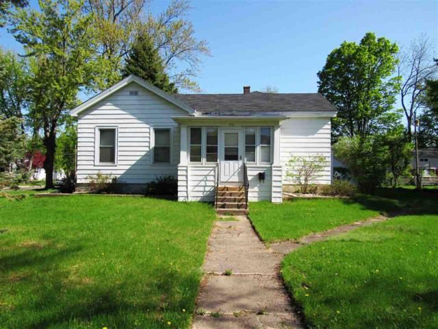 163 E Moore Street, Berlin, WI 54923 (#50198241) :: Todd Wiese Homeselling System, Inc.