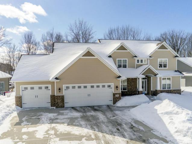 3747 Mighty Oak Trail, Green Bay, WI 54313 (#50198242) :: Todd Wiese Homeselling System, Inc.