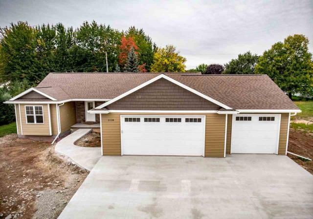 1124 Harold Drive, Menasha, WI 54952 (#50198395) :: Todd Wiese Homeselling System, Inc.