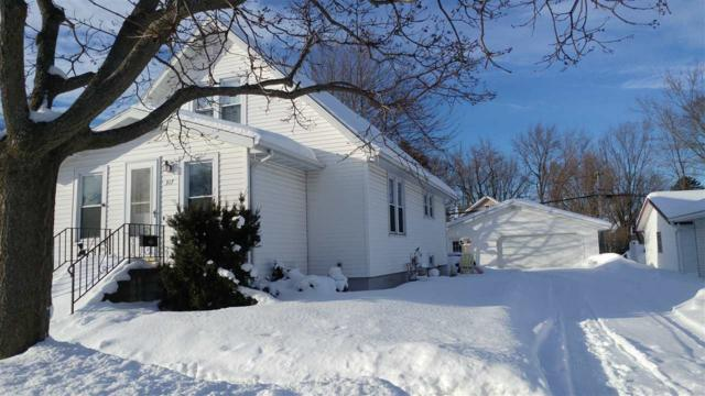 317 E Wallace Street, New London, WI 54961 (#50198435) :: Todd Wiese Homeselling System, Inc.