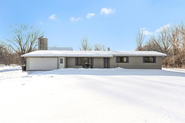 3801 Shawano Avenue, Green Bay, WI 54313 (#50198597) :: Todd Wiese Homeselling System, Inc.
